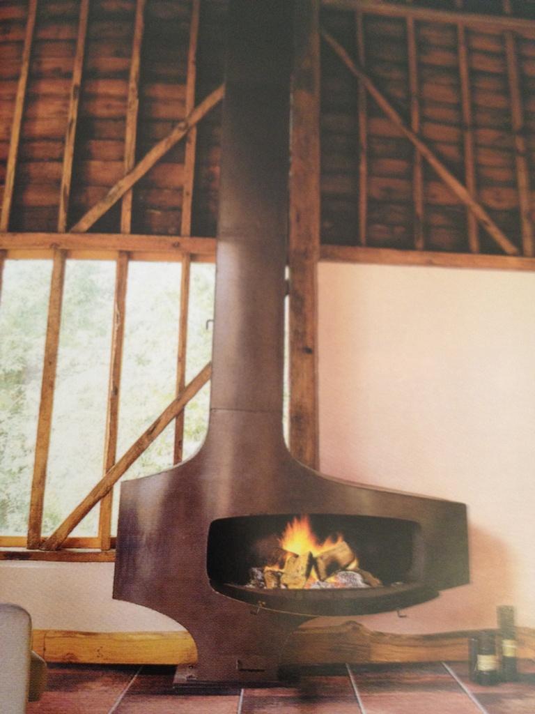 cheminee focus focus cheminee duoccasion expdi en france with cheminee focus chemine. Black Bedroom Furniture Sets. Home Design Ideas
